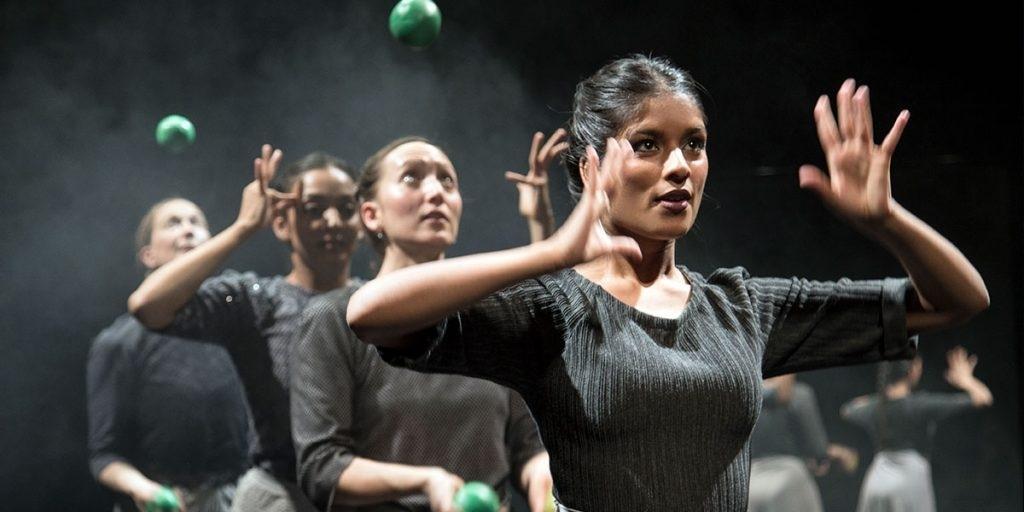 SCENAR!O Festival: Gandini Juggling: Sigma  - Jonglage / Tanz