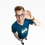 "Maxi Gstettenbauer: ""Lieber Maxi als normal"" / Comedy"