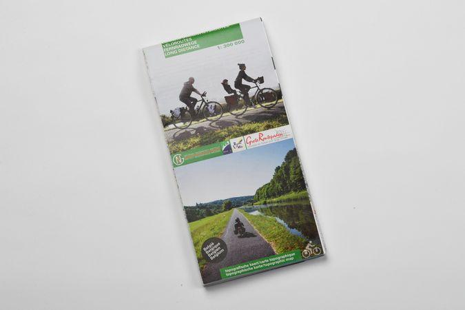 Carte des itinéraires cyclables longue distance et des routes vertes 1/300 000