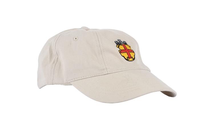 Kappe mit Stickerei